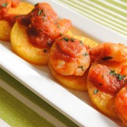 Have an extra jar of salsa lurking in your cupboard? If so, you can make Griddled Polenta Cakes and Spicy Chipotle Shrimp! | foxeslovelemons.com