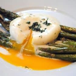 Mother's Day Brunch Recipe Ideas - eggs, quiche and sweet treats! | foxeslovelemons.com