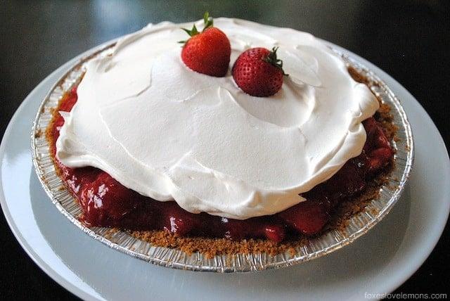 "Strawberry Icebox Pie + a review of ""Martha Stewart's Pies & Tarts"" | foxeslovelemons.com"