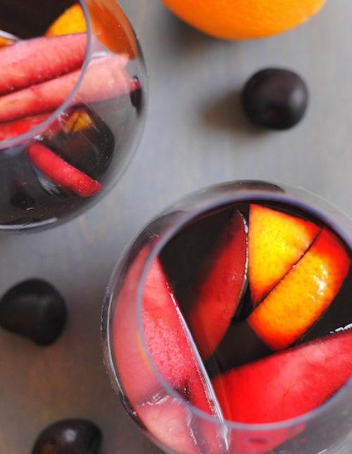 Sangria Party Week: Red Cherry Sangria & White Peach Sangria | foxeslovelemons.com