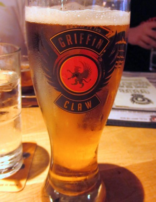 Restaurant Review: Griffin Claw Brewing Company in Birmingham, Michigan | foxeslovelemons.com