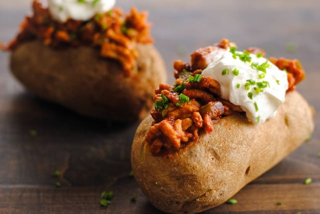 Chicken Sloppy Joe Stuffed Potatoes - sloppy joes made from lean ground chicken, stuffed in baked potatoes!