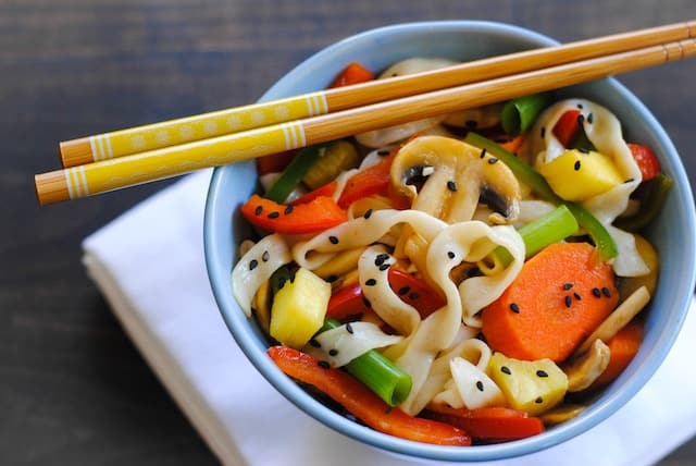 Sweet & Sour Vegetarian Stir Fry – a quick, heathy, gluten-free dish that takes just 15 minutes to make!