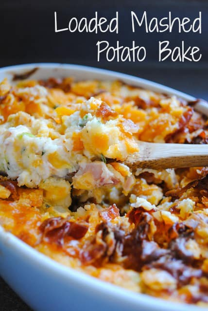 Looking for a leftover mashed potato recipe? This Loaded Mashed Potato Bake casserole is the most delicious way to use up leftovers. It's loaded with bacon, cheese and sour cream! | foxeslovelemons.com