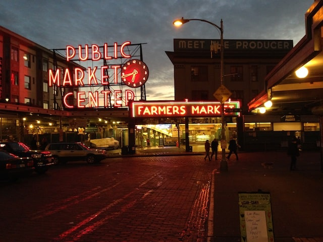 Pike Place Market Seattle | foxeslovelemons.com