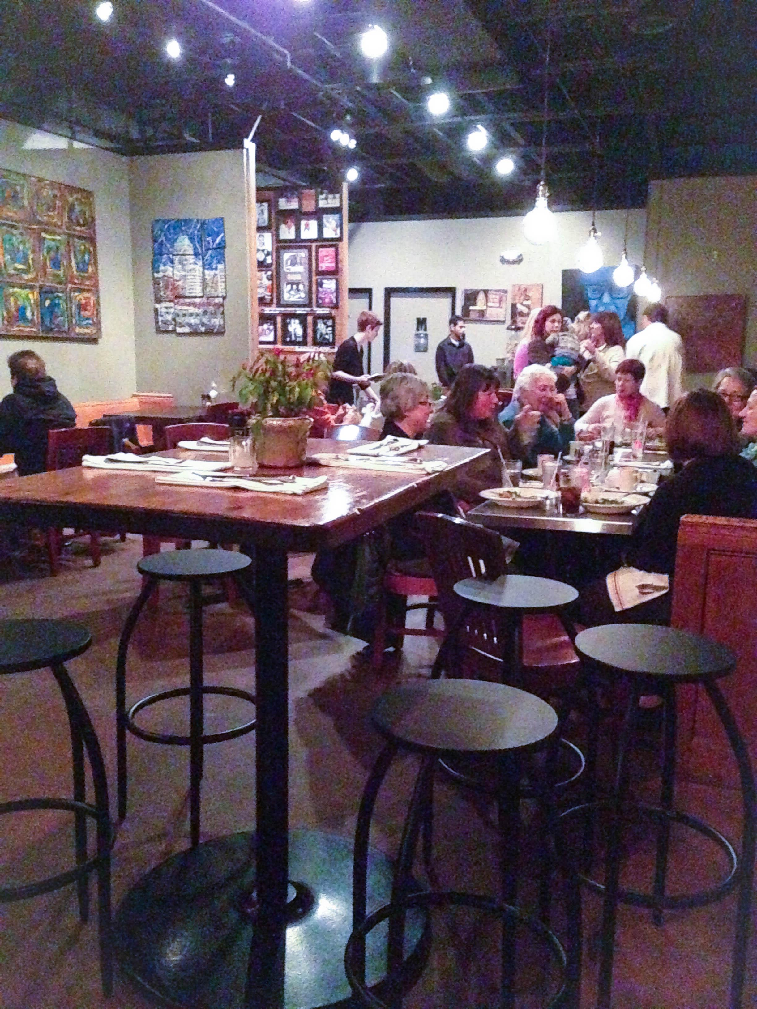 Restaurant Review: Republica in Berkley, Michigan | foxeslovelemons.com