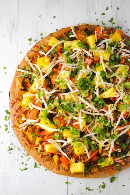 Thai Tofu Pizza with Spicy Peanut Sauce - A Pad Thai-inspired pizza! A colorful and healthy vegetarian meal.   foxeslovelemons.com