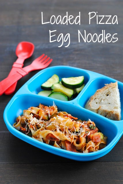 Loaded Pizza Egg Noodles - A veggie-filled meal the whole family can enjoy, and feel good about eating. | foxeslovelemons.com