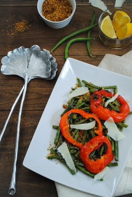 Roasted Green Beans & Peppers with Oregano Breadcrumbs - A simple and flavorful side dish!