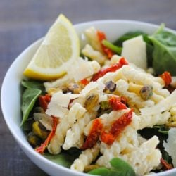 Creamy Lemon Pasta Salad with Spinach - A lightened-up workweek lunch that will get you through the afternoon! | foxeslovelemons.com