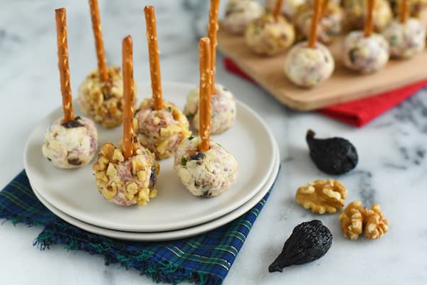 Prosciutto & Fig Cheeseball Bites - A simple, fun party bite that can be adapted to use whatever ingredients you have on hand! | foxeslovelemons.com