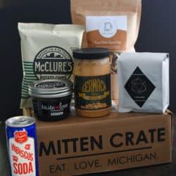 Mitten Crate January 2015 | foxeslovelemons.com