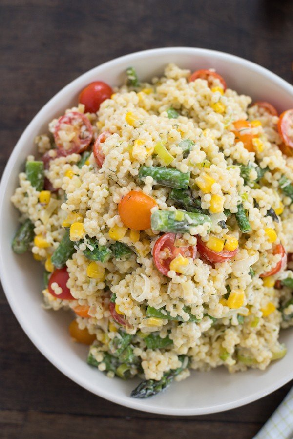 Summer Vegetable Pepe Pasta Salad - Fresh asparagus, corn, tomatoes, and pepe pasta are tossed with a Greek yogurt, Parmesan and dill dressing. | foxeslovelemons.com