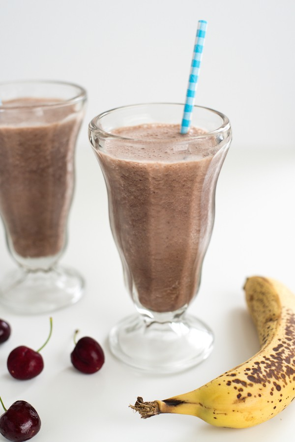 Chocolate, Cherry & Banana Smoothie - Refuel from a workout with the protein in this smoothie made with chocolate milk, bananas and fresh cherries. | foxeslovelemons.com
