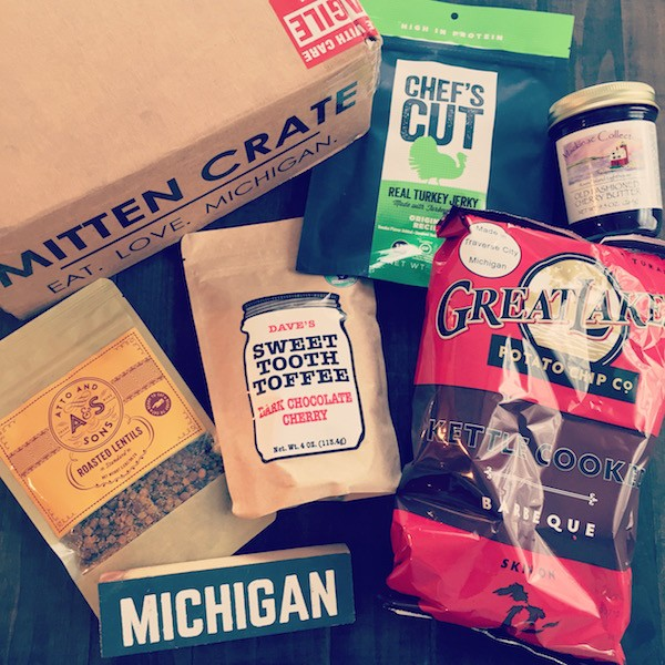 Mitten Crate May 2015 | foxeslovelemons.com