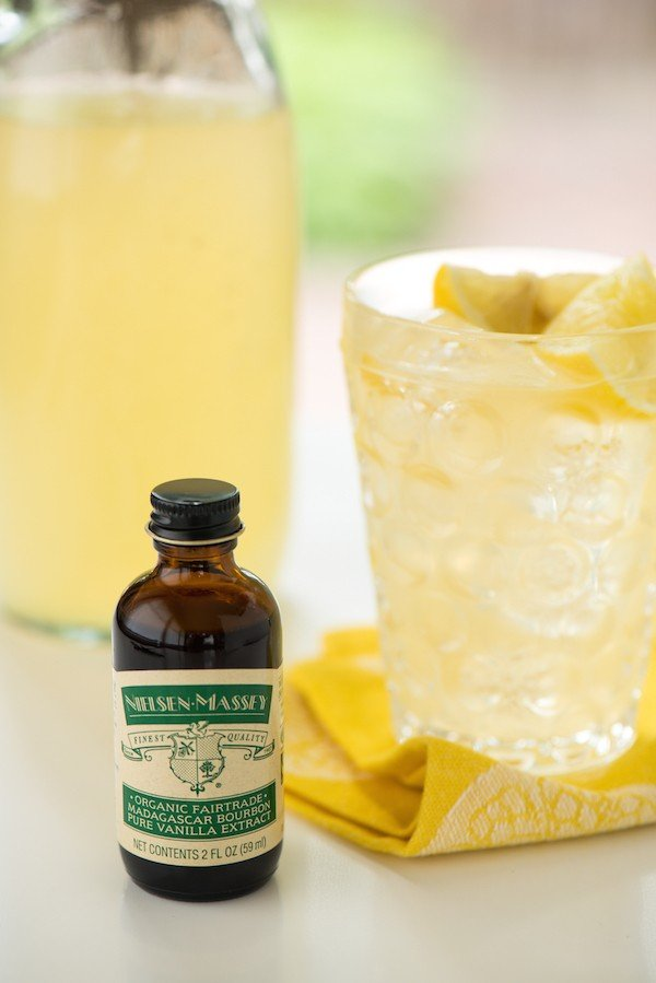 Vanilla Lemonade - Cool down with this refreshing vanilla-infused take on classic lemonade! | foxeslovelemons.com
