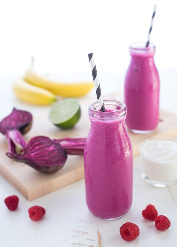 Berry & Beet Smoothies - A bright and vibrant breakfast or snack! Chock full of nutrients with a sweet, fruity taste.   foxeslovelemons.com