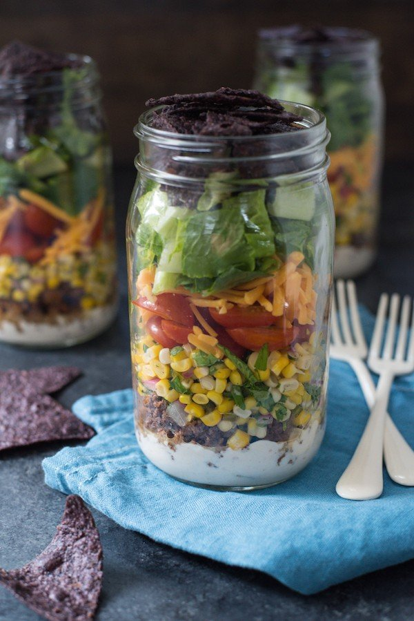 Taco Salad Jars with Green Chile Yogurt Dressing - Classic taco salad, kicked up a notch with a fresh corn salsa + a creamy yogurt dressing. Prep on Sunday, eat for lunches all week! | foxeslovelemons.com