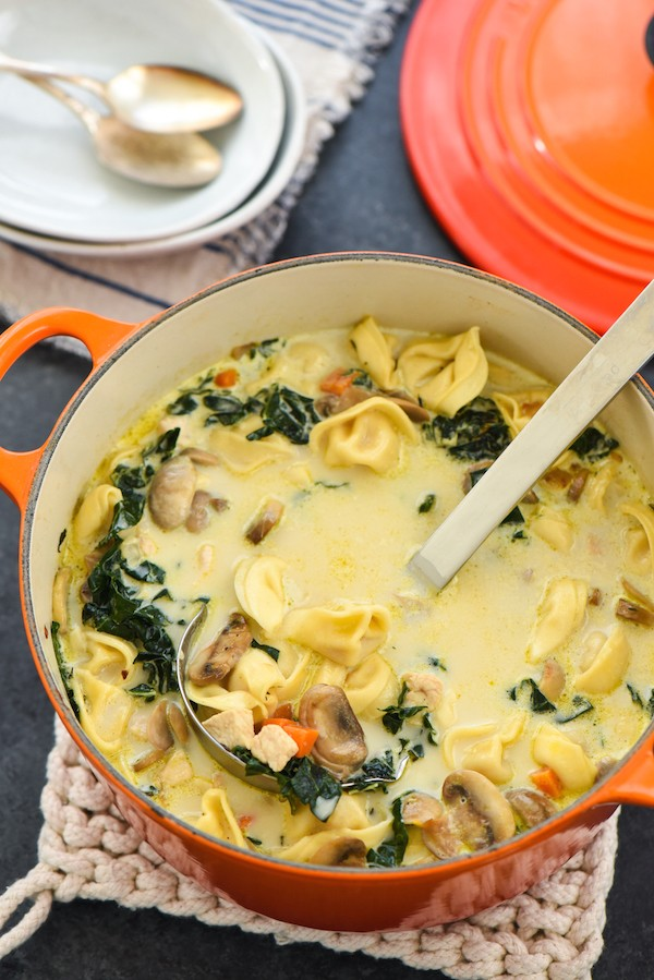 Creamy Chicken, Tortellini & Mushroom Soup - Serve up comfort the whole family will love with this easy one-pot meal. Bonus: lots of veggies! | foxeslovelemons.com