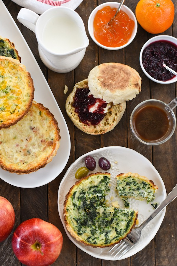 7 Tips for an Easy Brunch Buffet | foxeslovelemons.com