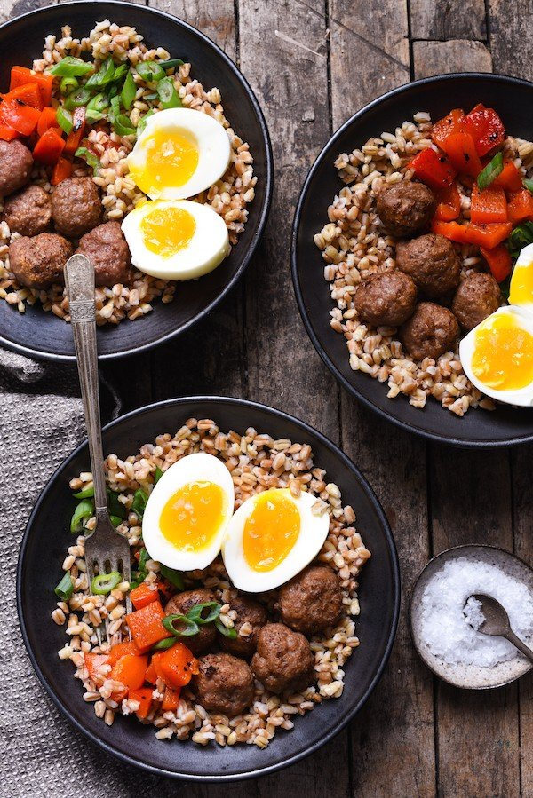 Make-Ahead Breakfast Grain Bowls with Turkey Sausage Meatballs - Prep each part of these breakfast bowls in advance, then quickly assemble on a busy morning! | foxeslovelemons.com