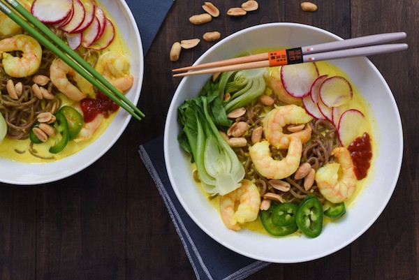 Thai-Style Curry Shrimp & Noodle Bowls - A hugely flavorful homemade curried noodle bowl that comes together in about 30 minutes! | foxeslovelemons.com