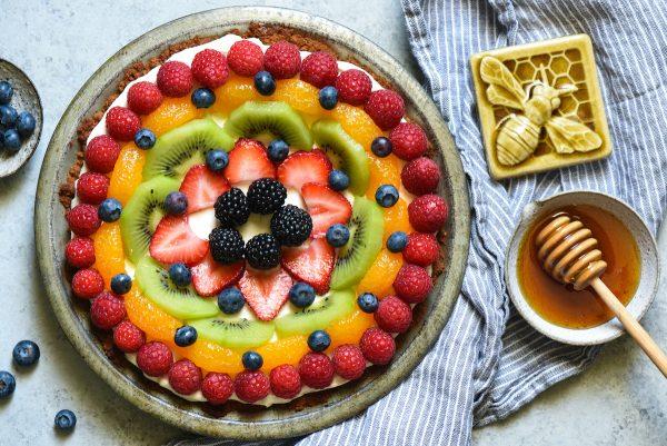 Honey Frozen Yogurt Pie - A simple honey-sweetened dessert that the whole family will love! | foxeslovelemons.com
