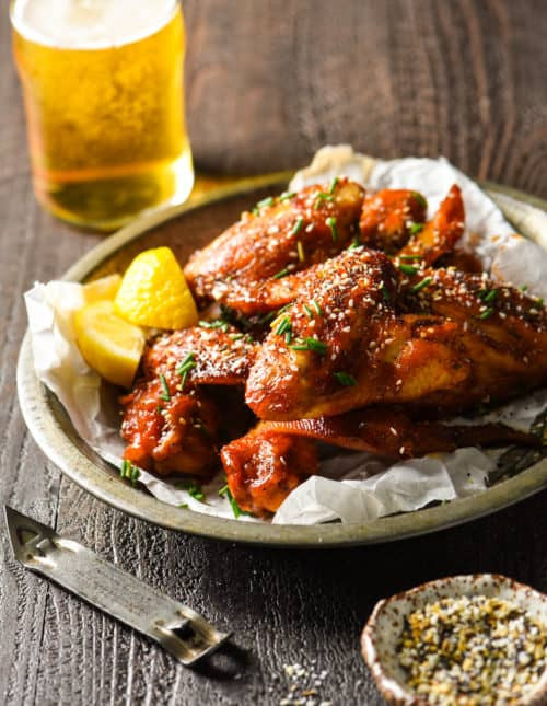 Everything Bagel Chicken Wings - Take the everything bagel craze one step further by sprinkling the seasoning mix on chicken wings! Perfect for tailgating!   foxeslovelemons.com