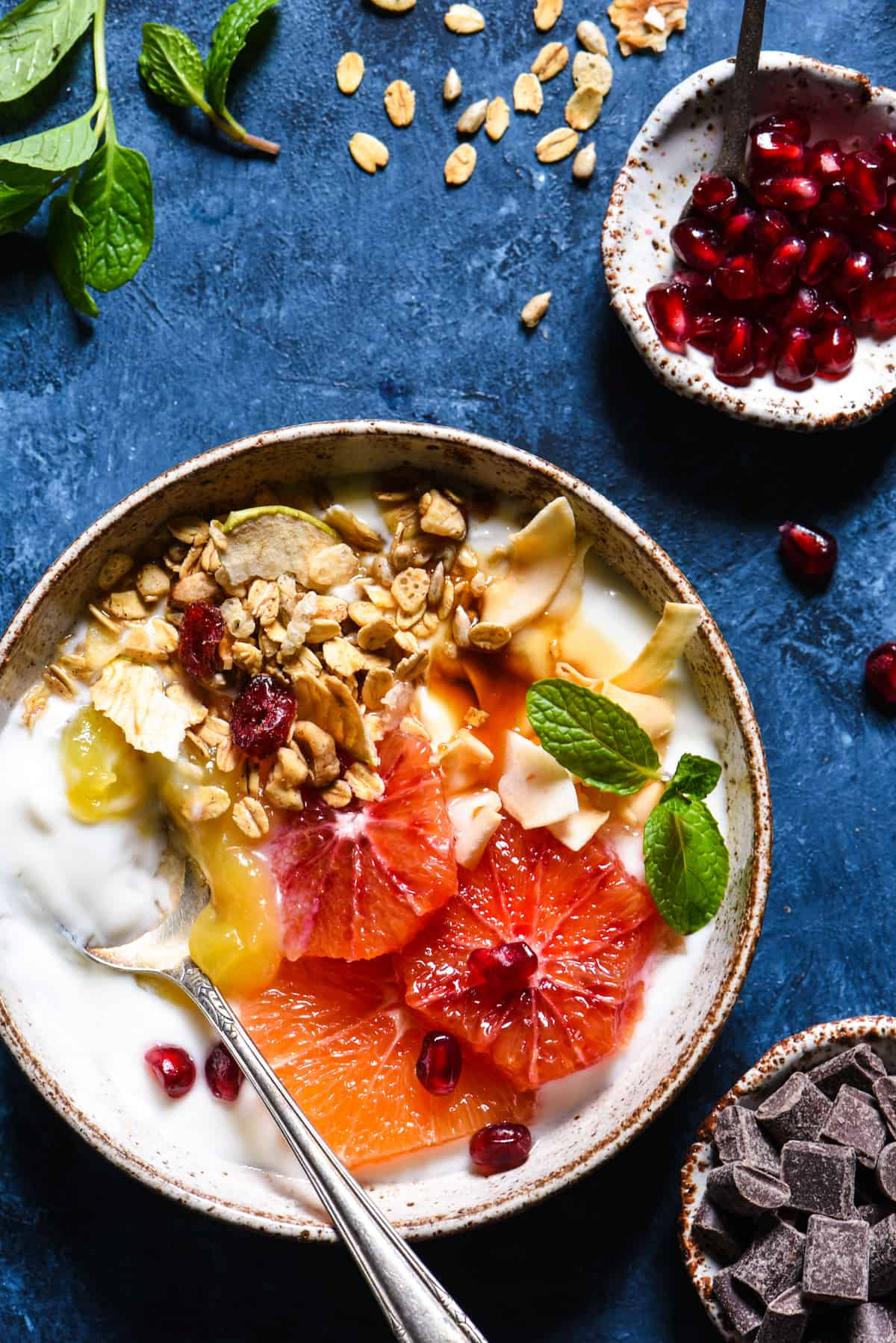 Winter Citrus Parfait Bar - Make breakfast exciting again with easy homemade granola, fresh citrus and a bunch of fun toppings!   foxeslovelemons.com