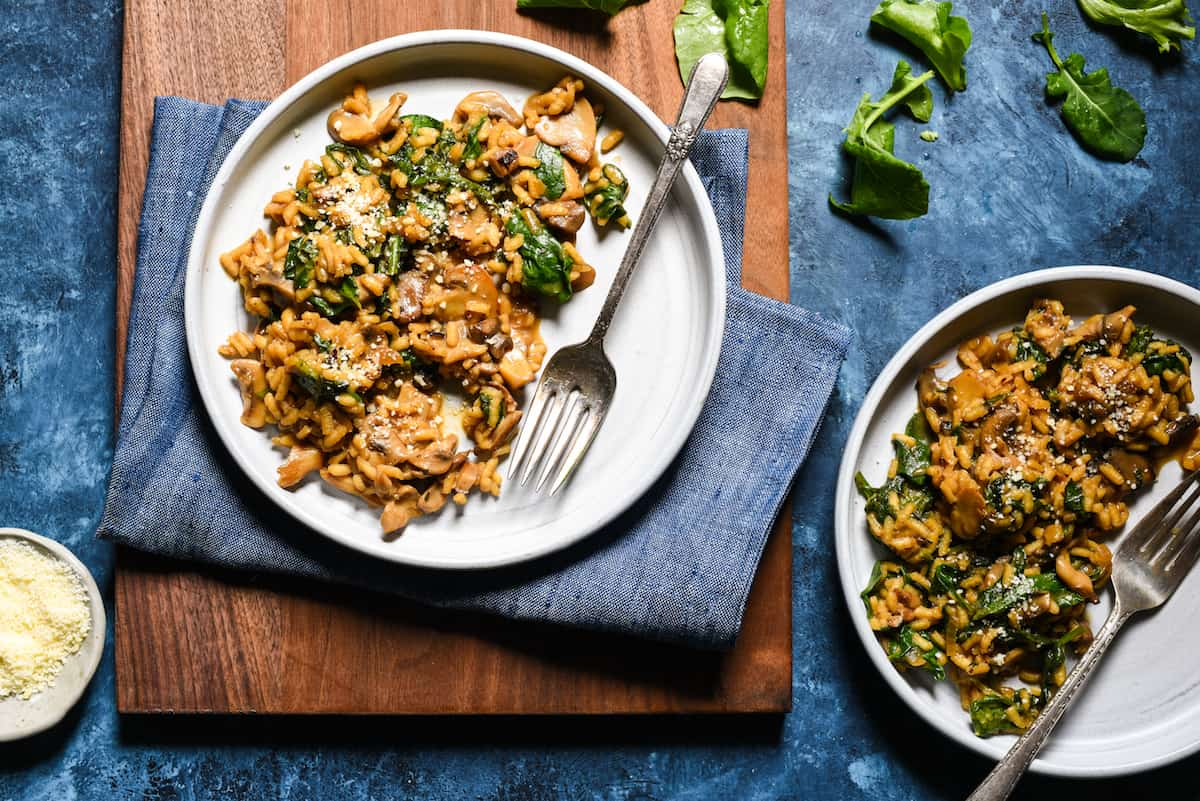 Mushroom Risotto with Lots of Kale - A rich, savory rice dinner packed with tons of leafy greens. | foxeslovelemons.com