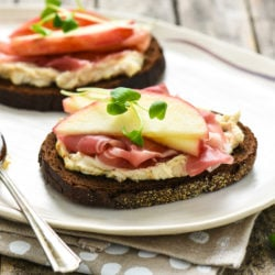 Figgy Goat Cheese Tartines with Apple & Prosciutto - Make like the French and have a plate of tartines (open-faced sandwiches) for a brunch or a light dinner! | foxeslovelemons.com