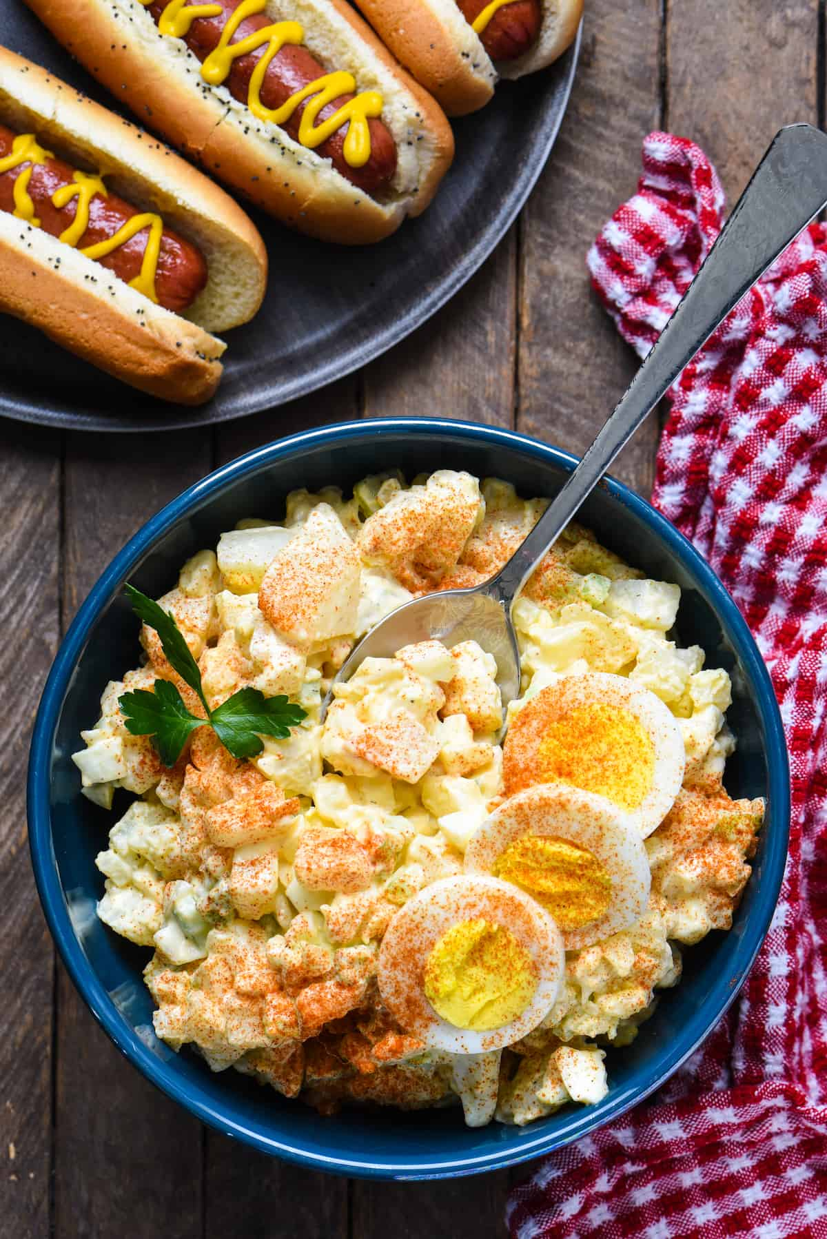 ThisGood Midwestern Potato Salad is the side dish of your dreams. Potatoes, eggs, celery and onion, dressed with a creamy, tangy sauce. So simple and so good! | foxeslovelemons.com