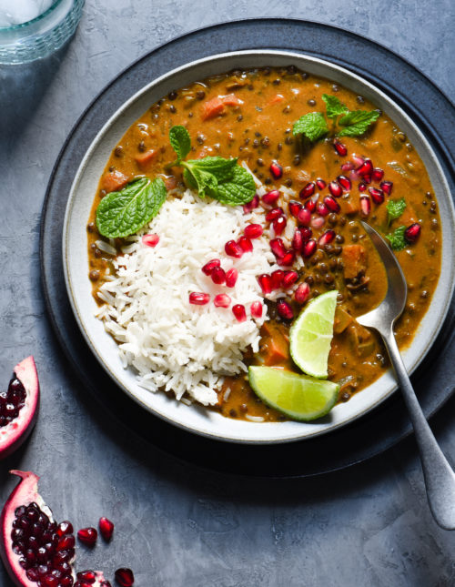 This Vegan Lentil Curry is a healthful one-pot meal packed with layers of flavor, using ingredients easy to find at your grocery store. Perfect for a meatless Monday dinner, or any time your meal planning could use a reset button. | foxeslovelemons.com