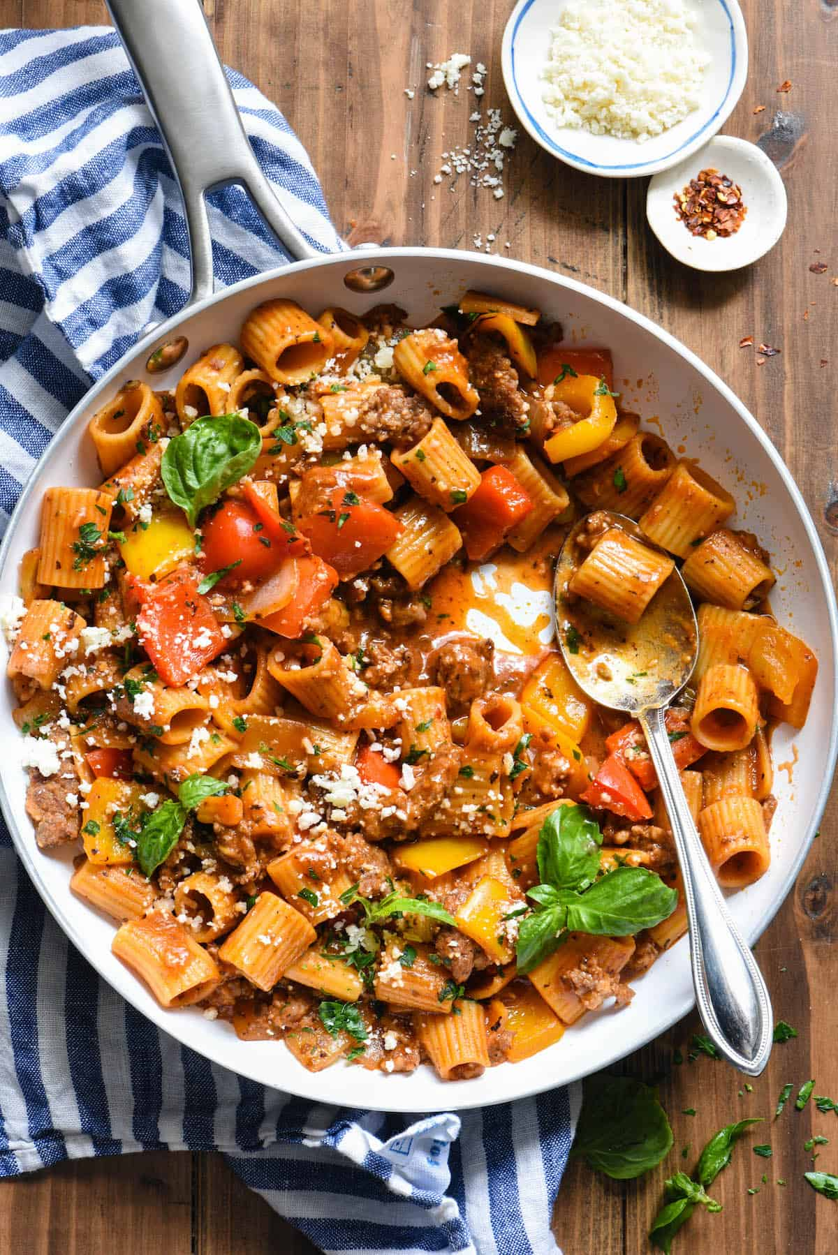 This Italian Sausage Pasta Skillet Dinner is a comforting yet veggie-packed meal that is made from start to finish in JUST ONE SKILLET. | foxeslovelemons.com